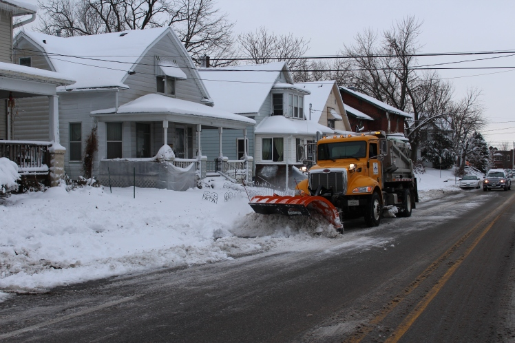 112718-snow-plowing-on-mulberry